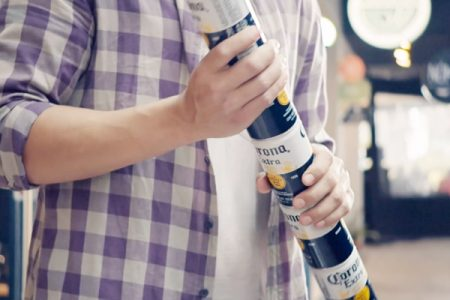 Corona stackable six-packs eliminate need for plastic packaging